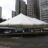 1301665327_93229860_4-locacao-de-tendas-palcos-e-arquibancadas-servicos